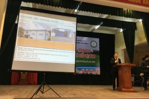 Workshop on Introduction of the effects of high-tech agricultural greenhouses held at Thai Binh Agricultural College